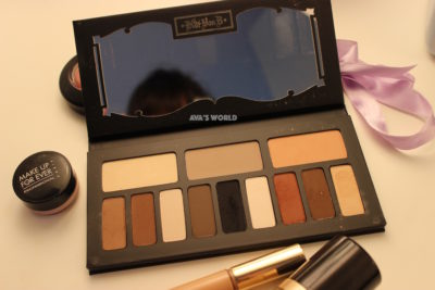 kat-von-d-contour-shade-light-eye